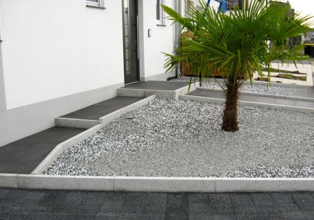 Vorgarten Anthrazit Granit Kiesfläche