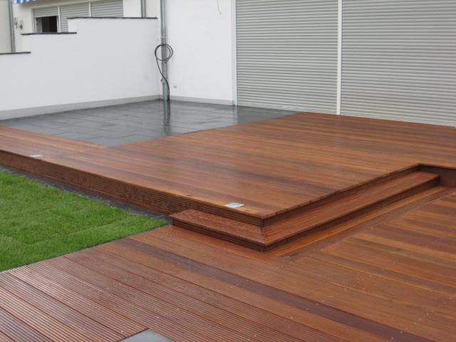 Kombination Holzterrasse Platten Gartendielen