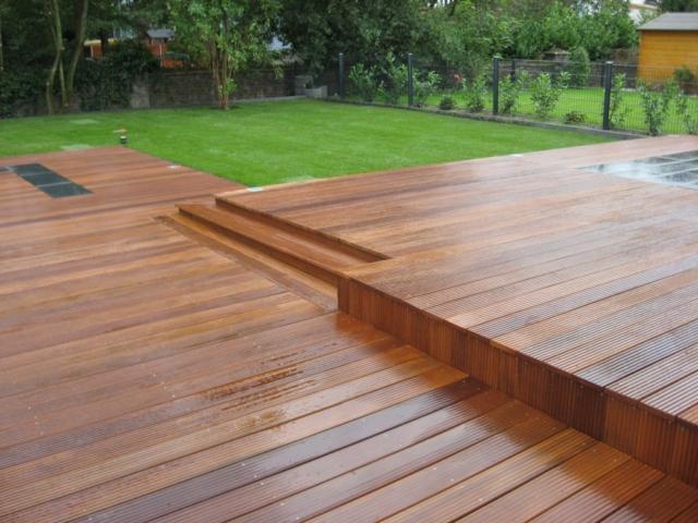 Stufen Holzterrasse Gartendielen