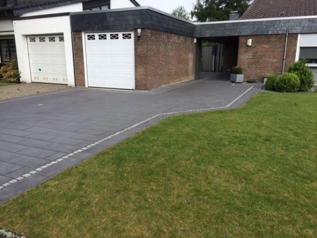Garageneinfahrt Einfahrt Pflaster Großformat Granit